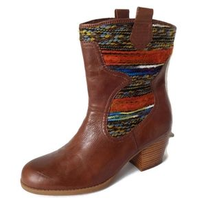Bandolino Bdzamen Leather Navajo Western Heel Boot